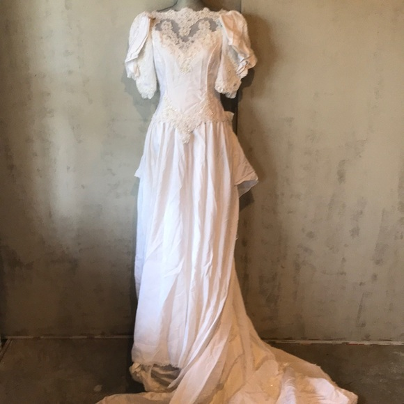 92 off alfred angelo dresses vintage 80s wedding gown poshmark m5ac2a1bf3a112ecc013e94cd junglespirit Choice Image